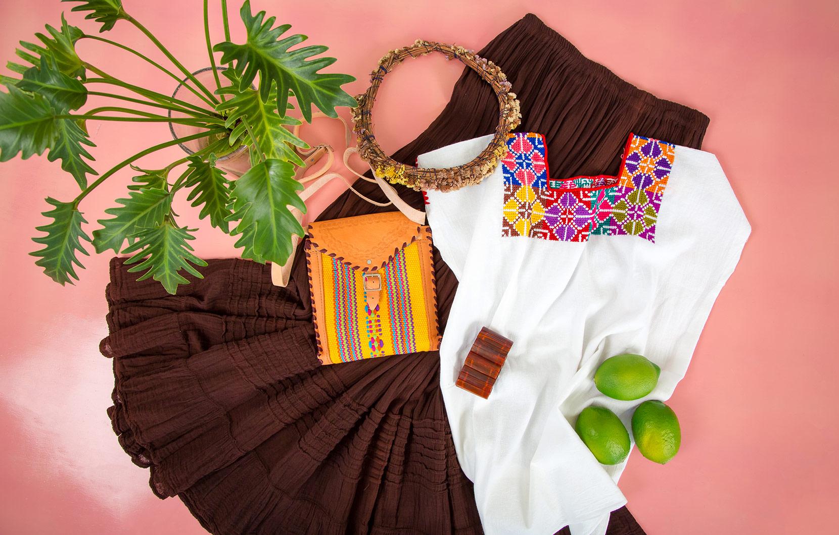 Los bordados mexicanos son conocidos por sus tonos vibrantes y sus tentadores patrones.